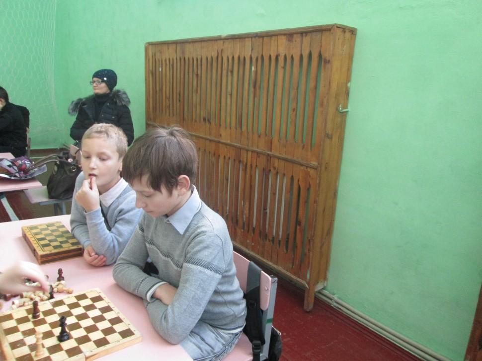 """Альбом: Районні змагання з шахів """"Біла тура"""""""